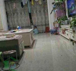 逸景南苑2室 2厅 1卫82平米5楼精装低价出售
