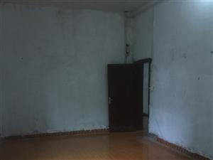 武汉大道1室 0厅 1卫370元/月
