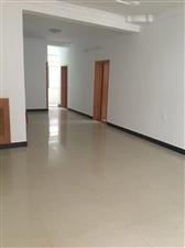 三中附近 学区房 4室 2厅 2卫89万元