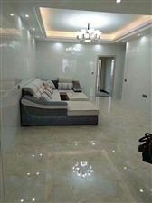 领秀江景旁 新装修末入住5室 2厅 2卫95万元