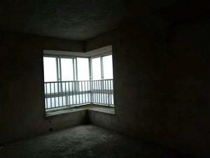 中央豪庭4室 2厅 2卫60万元