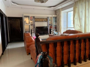 镇雄商业城115平米精装3房带所有家具家电出售