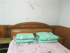 银鑫小区3室 2厅 2卫900元/月