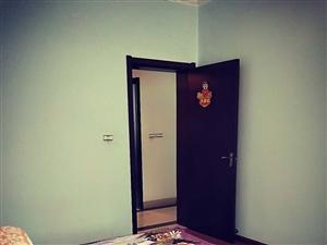 信用社家属房4室 2厅 2卫87.8万元
