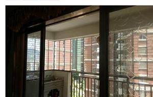 宝龙城市广场1室 1厅 1卫50万元