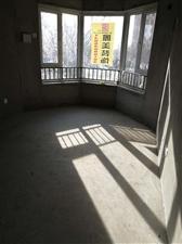 中南世纪城4室 2厅 2卫93万元