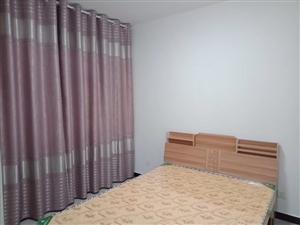 七彩城精装修4室 2厅 2卫15000元/月