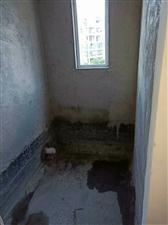 谦翔好楼盘电梯中层三室两厅一厨两卫,120平米,毛
