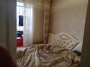 悦清雅苑3室 2厅 1卫72万元
