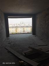 龙腾电梯三房户型方正视野宽阔 带大落地窗