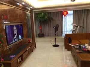 宝龙5室 2厅 2卫255万元