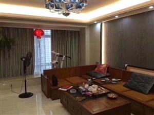 宝龙城市广场5室 2厅 3卫255万元