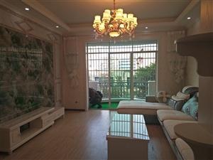 四小旁英才巷3室 2厅 2卫59.8万元