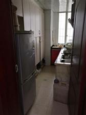 蓝竹新苑,电梯中层,精装修125平米,三室两厅一厨