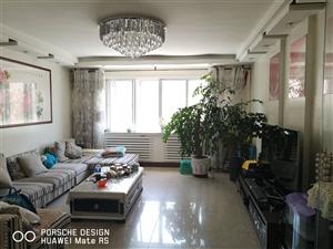 五一街158平4室 2厅 2卫带24平地下室