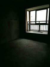 领秀边城3室 2厅 2卫35.8万元