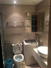 城市之光国际公寓小区1室 1厅 1卫2300元/月