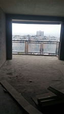 龙腾锦城3室 2厅 2卫69.8万元,电梯房
