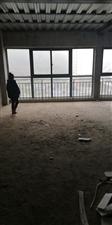 金湖中心4室 2厅 1卫48.8万元