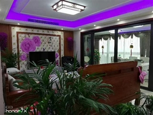 香格里拉3楼143+车位精装3室  2卫195万元