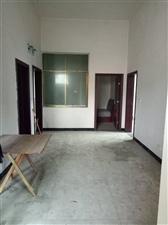 南街红绿灯附近3室 1厅 1卫15.8万元