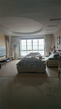 三中小区5室 3厅 2卫62.8万元