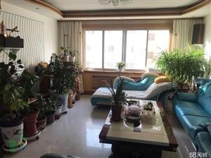 五一街4室 2厅 2卫155平米3楼精装低价出售