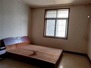 百盛小鬼当家楼上1室 1厅 1卫500元/月可短租