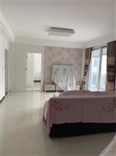 黄金水岸3室 2厅 2卫72.8万元