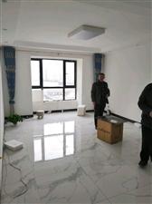 西城国际3室 2厅 2卫70万元