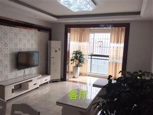 外滩公馆电梯房18楼精装3套2带家具家电