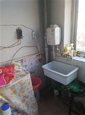 电力小区3居室,包取暖,拎包年租9000