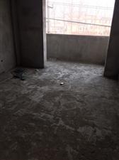 吕围子电梯房3室 2厅 2卫68万元