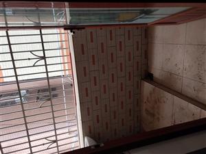 水贝惠民餐厅附近2楼3室 2厅 1卫49万元