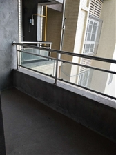 隆荣时代学区房生活方便4室 2厅 2卫72.8万元