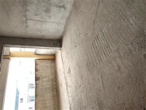 金龙路 学府商街,复式楼,5室 2厅 2卫87万元