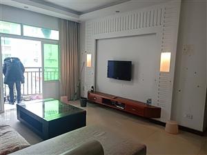 金龙花园精装3室 2厅 2卫喊价56.8万元