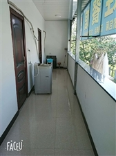 新中医医院后面1室 0厅 1卫350元/月