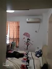 领秀边城大户型四室关门出售。