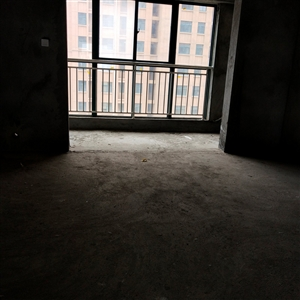 光明苑2室 大落地阳台,现房现证