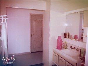 百泰京城3室 2厅 2卫105万元