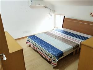 太平花苑小区3室 1厅 1卫2200元/月