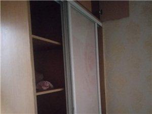 金竹苑3室 2廳 1衛1300元/月