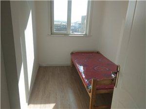东风新区3室 2厅 1卫1700元/月