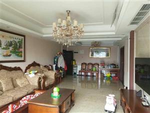 宜兴花园3室 2厅 2卫56.8万元
