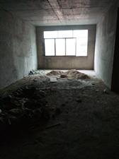 四方田安置小区3室 2厅 2卫16.8万元
