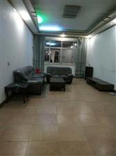 滨江公园附近4室 2厅 2卫46.8万元