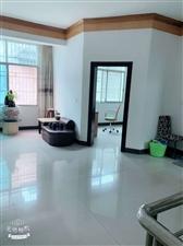 金盆山公寓3室 2厅 2卫130万元