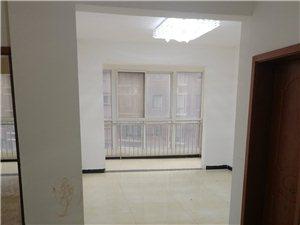 半岛帝城电梯房两室两厅装修空房出租