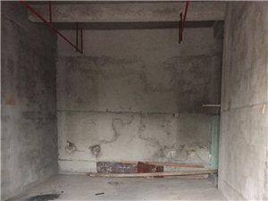 海峡茗城小区门口1店面50.4平方100万元